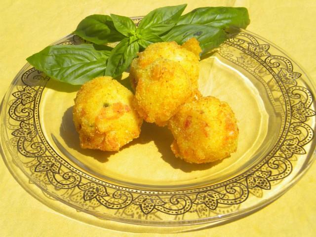 Rivisitazione di pasta e patate con cuore di provola di bufala