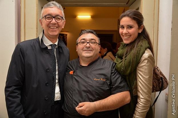 Il sindaco Capone di Maiori con Luigi Reale e Francesca Faratro