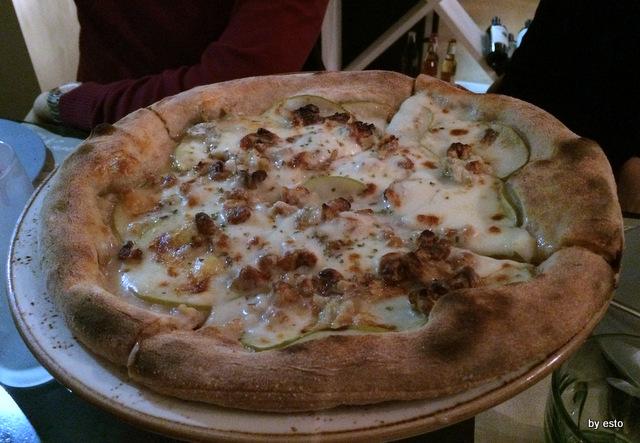 Apogeo. Massimo Giovannini. Pizza Gorgonzola mele e noci