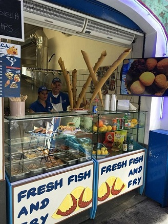 CICA, La friggitoria nel centro di Amalfi