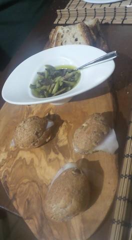 Crostini olive e tartufo nero del Partenio di Isabella preziuso