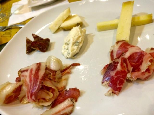 Dardabere, formaggi e salumi