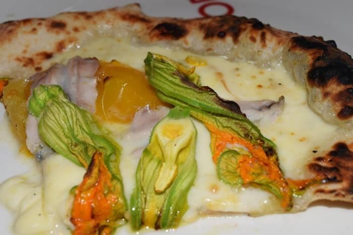 La pizza alla francese di Olio & Pomodoro