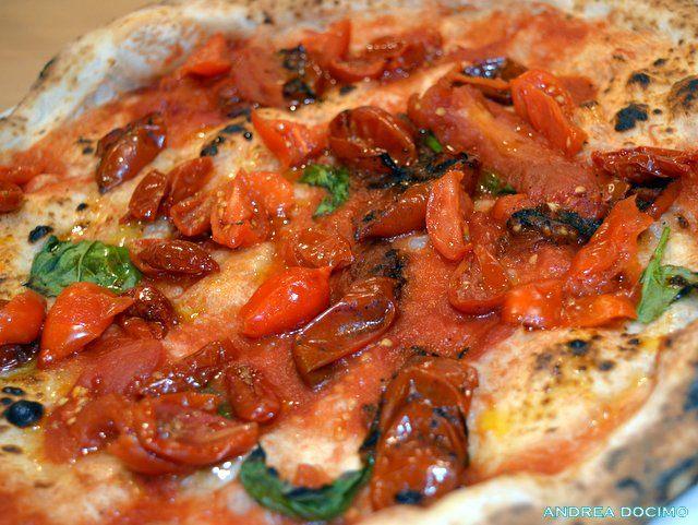 Pizzeria Salvo Francesco & Salvatore. La Pizza al Pomodoro