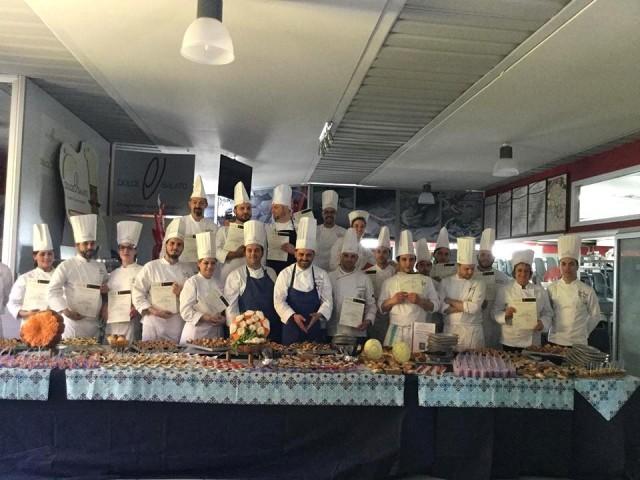 Scuola Dolce &Salato. Gli allievi che hanno terminato il  percorso dei corsi formativi con il docente interno Antonio  Mastropietro