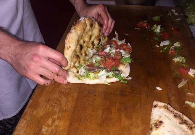 Villa Crespia Vinitaly e Pizza Napoletana  con  Ivano Veccia pizza con Scarola