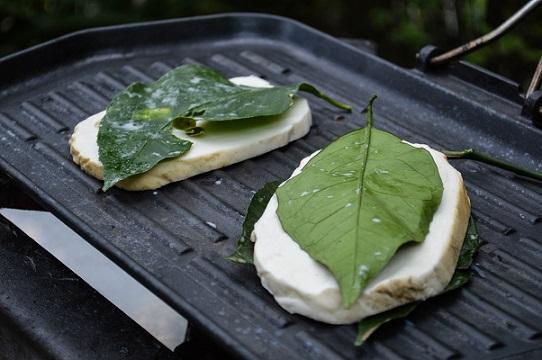 SAPORI DELLA COSTA - Provola di Tramonti in foglie di sfusato amalfitano
