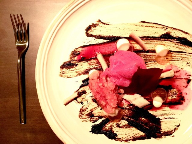 Aglio nero, ceviche di barbabietola, anguilla, raifort 2014