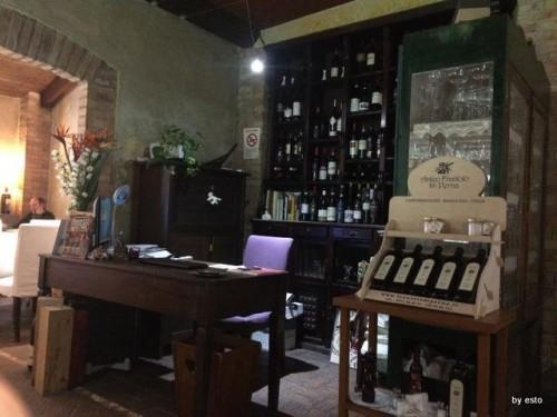 Antica Osteria Marconi a Potenza. Gli interni del ristorante