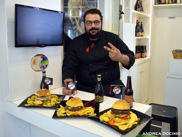 B-Zone & La Taverna di Bacco. Il Panino di Cristiano con Teo Musso. Cristiano e i suoi panini