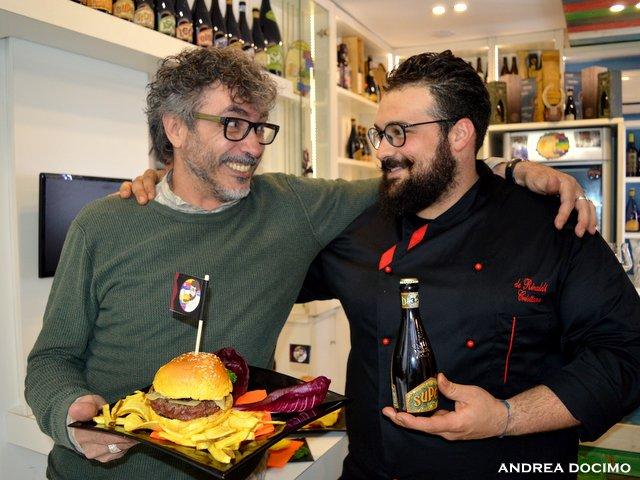 B-Zone & La Taverna di Bacco. Il Panino di Cristiano con Teo Musso. Teo Musso e Cristiano De Rinaldi