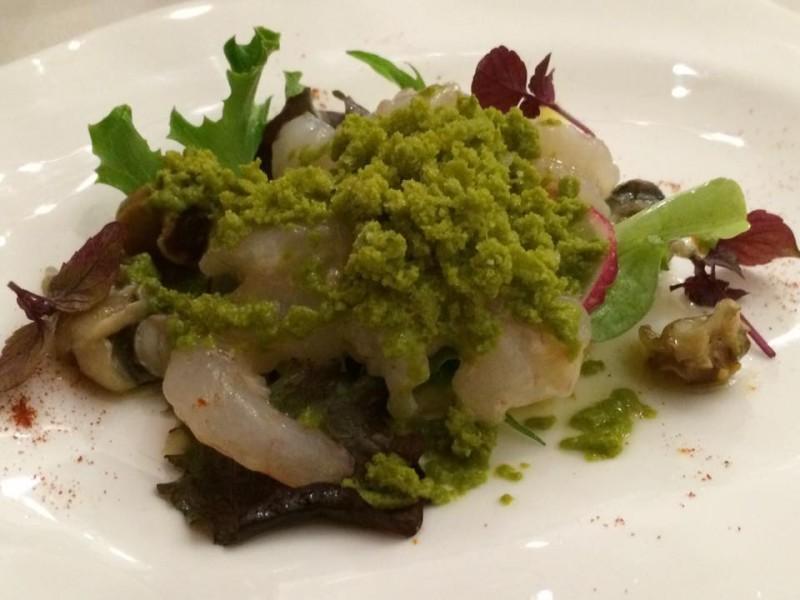 Osteria dell'orologio, crudo di gamberi bianchi, con chiacciata alla salsa verde, patate al burro e spadellata di sconcigli