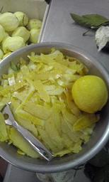 IL GUSTO DELLA COSTA - Le bucce di limone per il limoncello