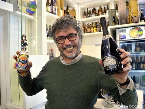 Intervista a Teo Musso. Teo musso con Baladin POP e Metodo Classico