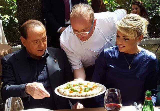 Pasqualino Rossi Pizza per Berlusconi