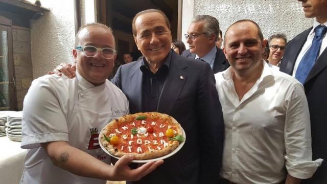 Pasqualino e Gianluca Rossi la Pizza per Berlusconi