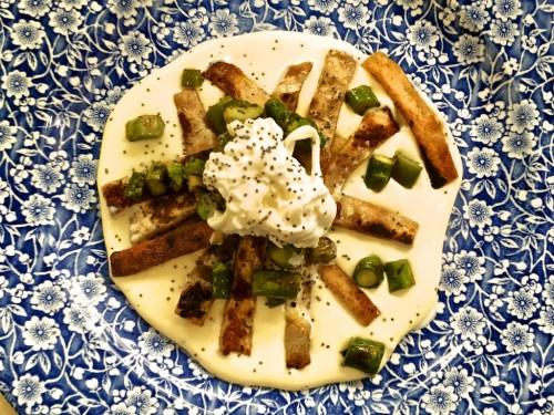 """""""Pizzaccheri"""" senza lievito e grano Saraceno, fondo di spuma di patate di Zapponeta, doppia consistenza di asparagi pugliesi, stracciatella di Andria"""