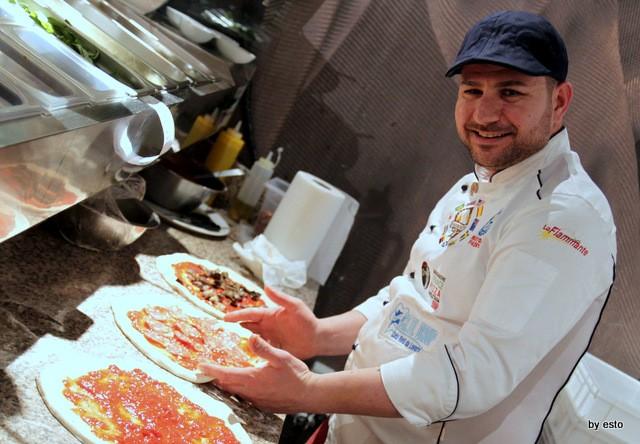 Pizza Cucina Caffe Ivan Di Leva al bancone