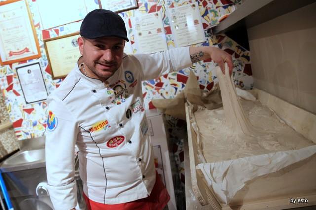 Pizza Cucina Caffe Ivan Di Leva l'impasto