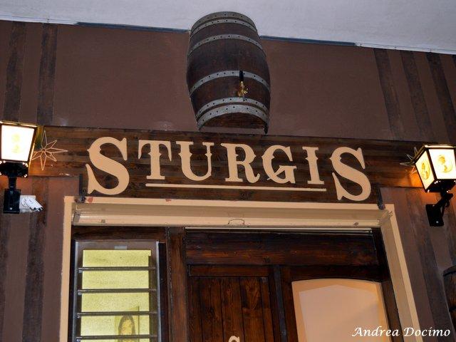 Sturgis Beerhouse a Brusciano. L'entrata del locale