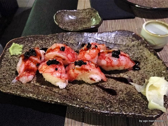 Tender Sushi Bar  Nigiri di gambero rosso