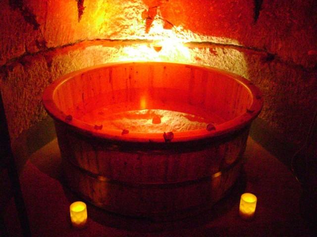 La vasca circolare in legno di faggio