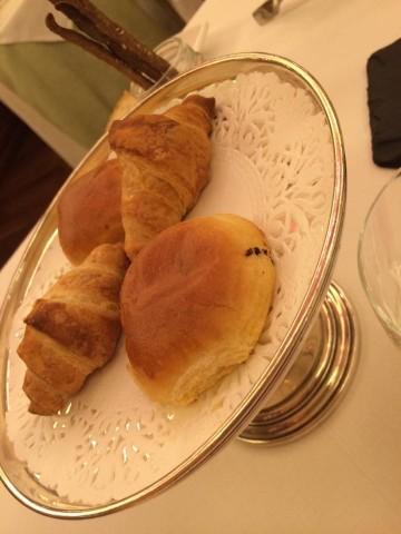 Achilli al Parlamento, panini dolci e croissant