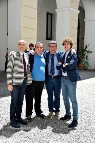 il prof Peretti col delegato e alcuni soci