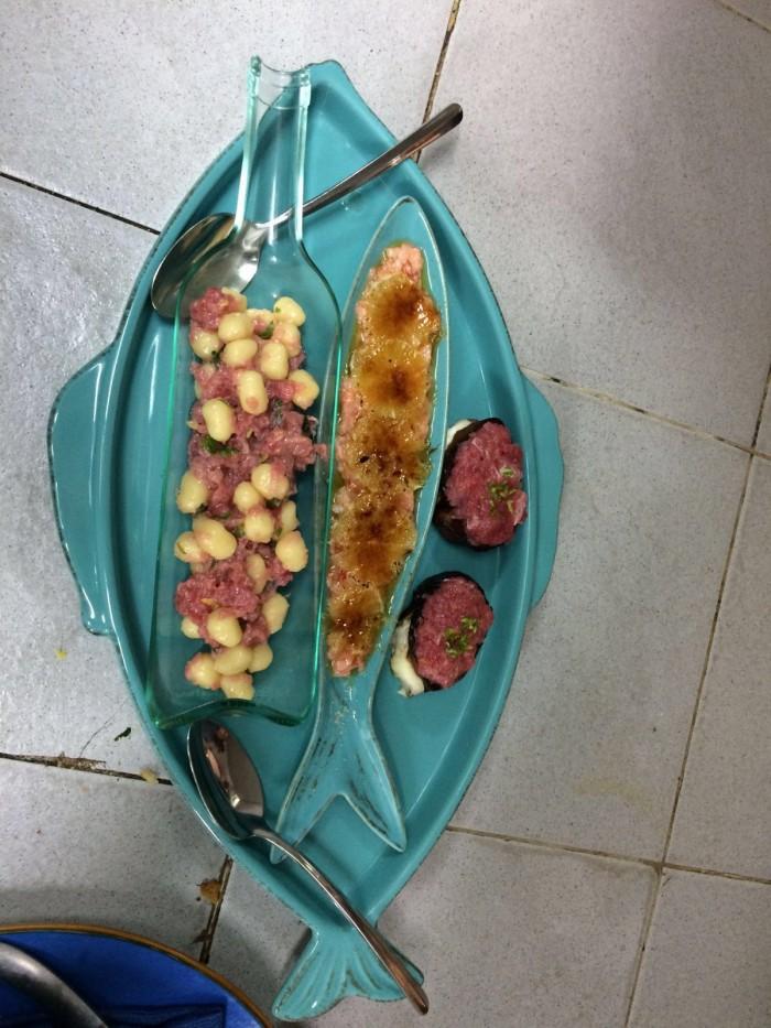 L'Orestorante, Gnocca mojta, gamberi caramellati e Bruschetta Bruschetta ripiena di burrata con trito di ricciola