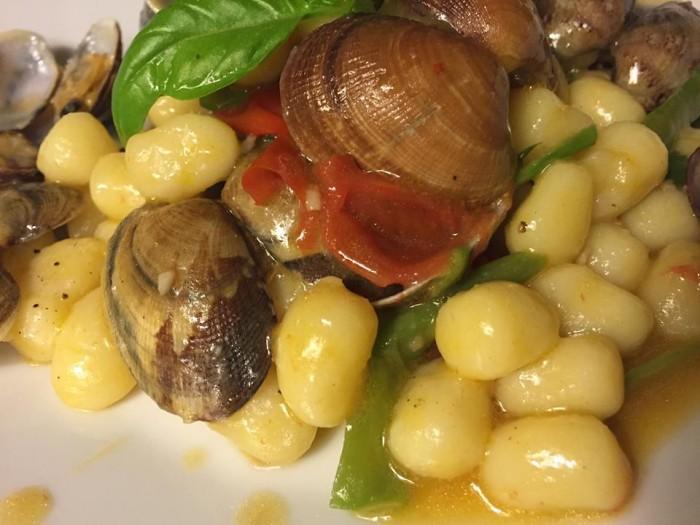 Locanda Moresca, gnocchetti, vongole e friggitelli