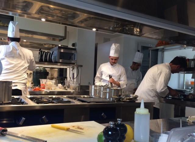 DANI Maison, chef e brigata al lavoro