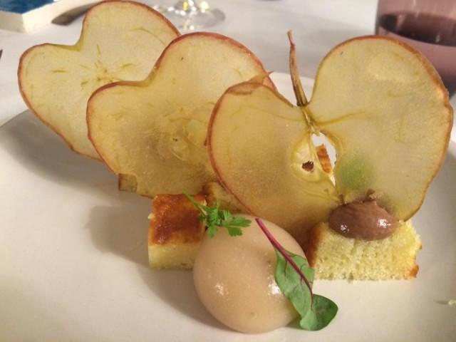Indaco, mela annnurca cioccolato e olio di oliva
