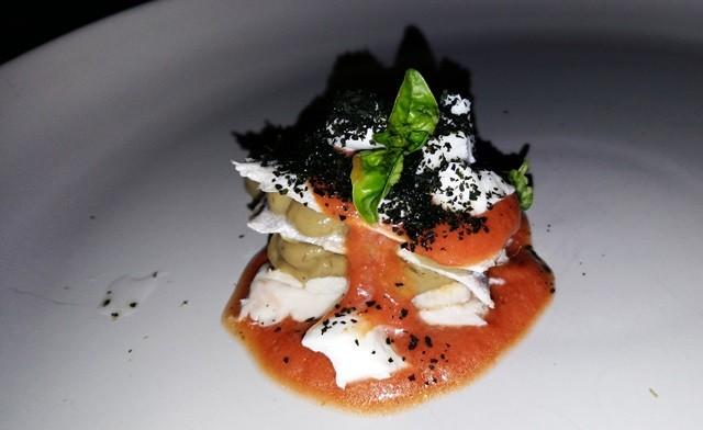 Parmigiana di alici fredda gazpacho di pomodoro San Marzano salsa di melenzana affumicata e mozzarella di bufala