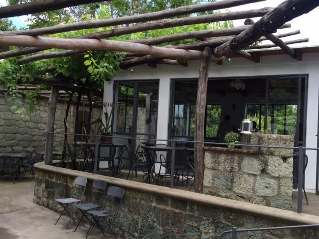 Pietratorcia, la sala degustazione con il ristorante