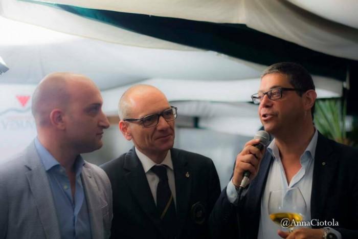 Ernesto Lamatta,delegato Ais Comuni Vesuviani, Corrado Sorbo,proprietario di Villa Signorini, e Ciro Giordano, presidente Consorzio Tutela Vini Vesuvio