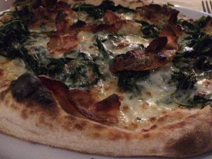 Gazometro 38 pizza cicoria e guanciale