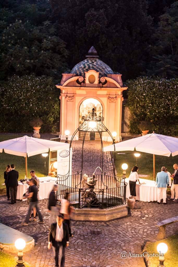Il giardino di Villa Signorini, una delle 122 ville vesuviane del Miglio d'Oro, ha accolto la manifastazione