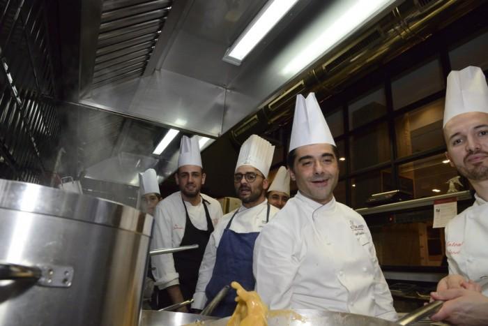 Lo chef Giuseppe Daddio e la brigata Morsi e Rimorsi
