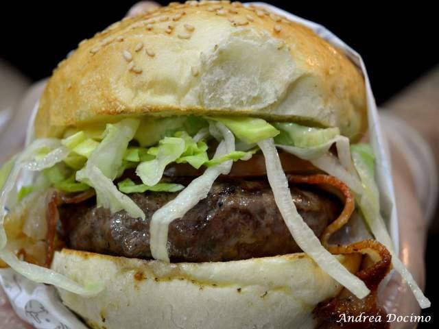 PUOK Burger Store al Vomero. Il panino EVERGREEN