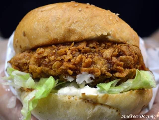 PUOK Burger Store al Vomero. Il panino LOS POLLOS