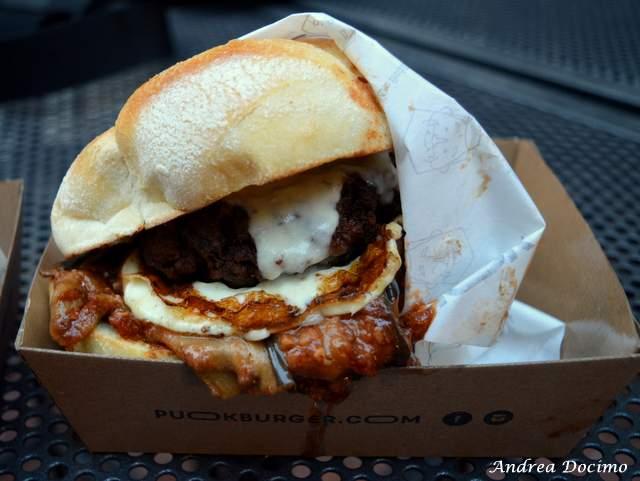 PUOK Burger Store al Vomero. Il panino MAMMA'