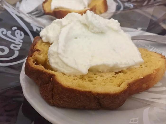 Pasticceria Masulli, pan di bufala con gelato di bufala