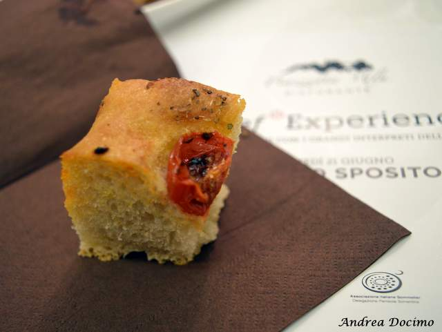 Piazzetta Milu Chef Experience con Sposito. La focaccia