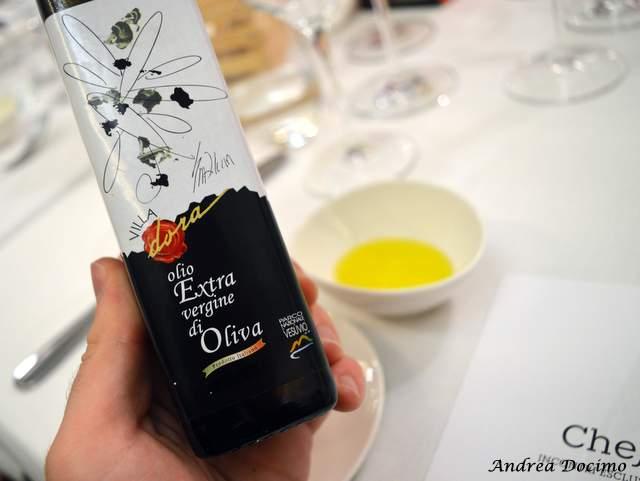 Piazzetta Milu  Chef Experience con Sposito. L'olio EVO di Villa Dora
