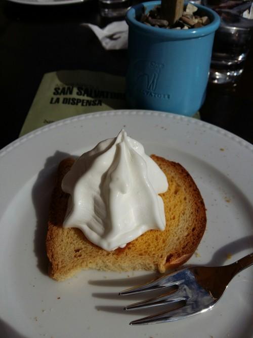 La Dispensa, fetta biscottata all'arancia con ricotta ice cream