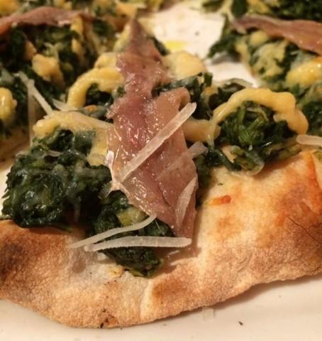 In Fucina, la pizza ceci e cicoria