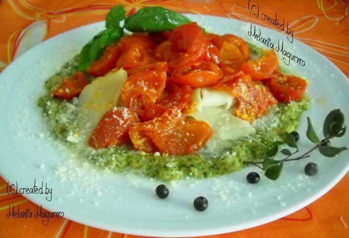 Maltagliati con crema di melanzane, pesto e pomodorini