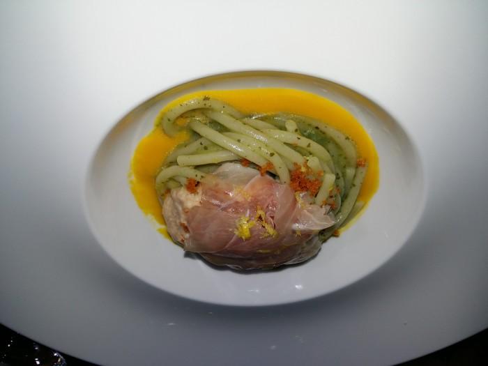 spaghettoni con salsa moresca Taratata con bottarga di tonno e passata di carote. Sultano