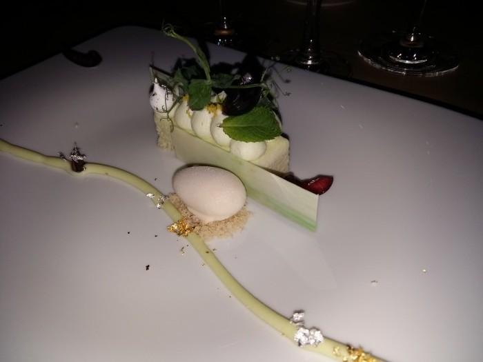 Hanami, ciliegie wasabi e arachidi. Fusto