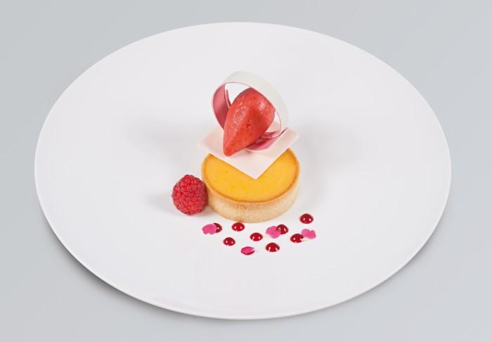 Crostatina al limone con sorbetto ai frutti rossi